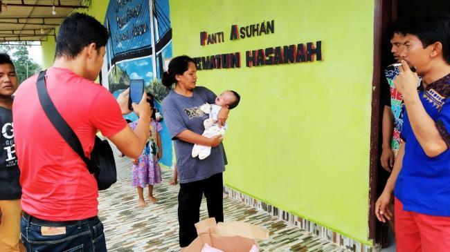 Polsek Sagulung Lacak Ibu Pembuang Bayi di Bawah Buldozer