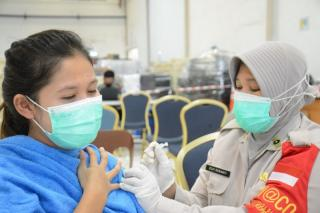 Riau Islands Police Facilitate Corona Vaccination for Industrial Workers